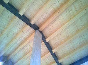 Solaio realizzato in tavolato di legno su travi portanti di legno