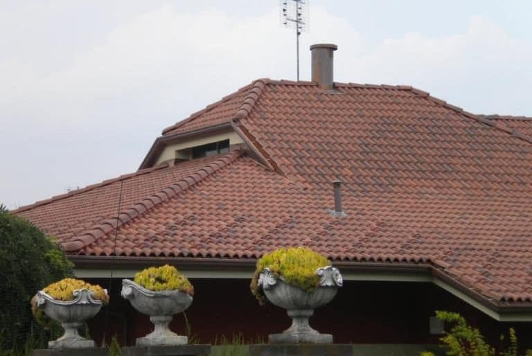 Rifacimento tetto abitazione privata in tegole
