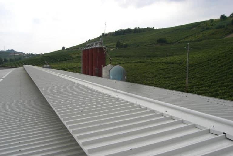 Rifacimento tetto azienda allevamento con impianto fotovoltaico