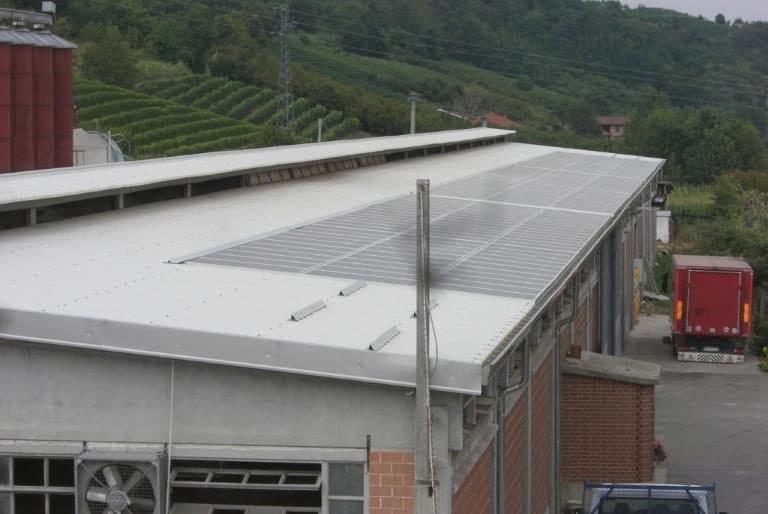 Rifacimento tetto stalla con impianto fotovoltaico