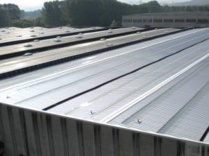 Linea vita Latchways protezione del perimetro del tetto