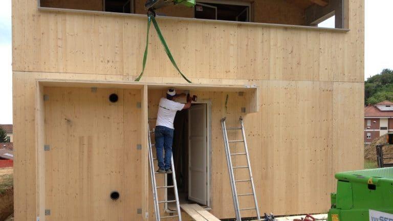 Montaggio casa in xlam