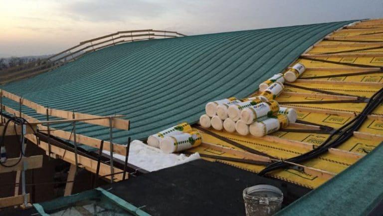 Montaggio copertura in lastre a giunto drenante in alluminio simil rame