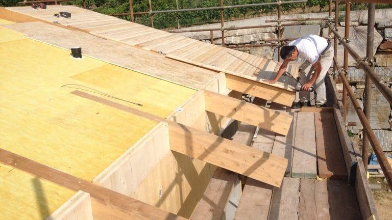 Tetto coibentato in legno lamellare