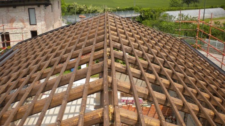 Tetto in legno di abete uso fiume