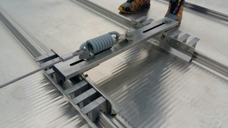 dispositivo classe C su lamiere a giunto drenante RoofPlanet Sintech 530
