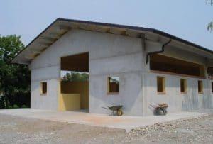 Capannone agricolo in cemento prefabbricato