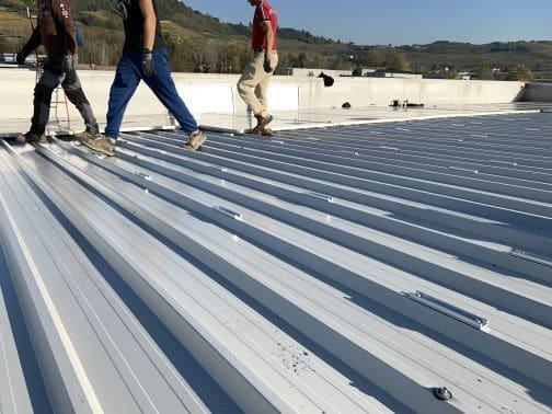 Sostituzione copertura sotto impianto fotovoltaico