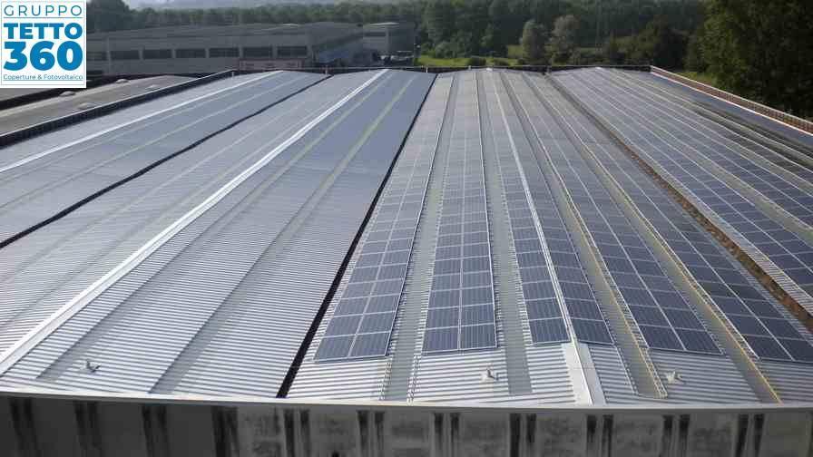 copertura industriale con impianto fotovoltaico